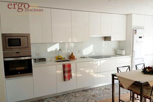 Diseño de Cocinas Blancas 1 en Madrid